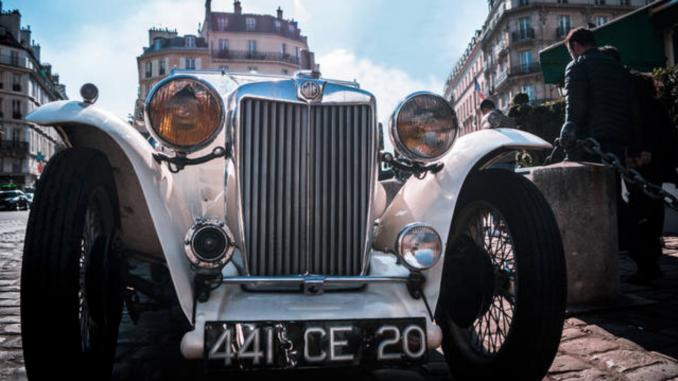 Průměrná cena bazarového auta