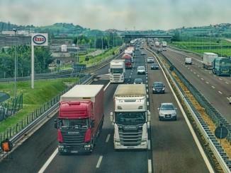půjčovna nákladních vozidel